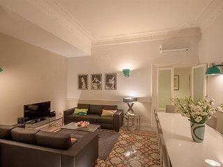 Elegant 5bd apartment in quiet area near the Vatican