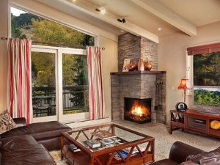 Unobstructed Mountain Views. Expansive Aspen Core Condo