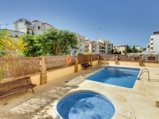 Apartamento Cala de Nerja, Con Piscina y Terraza