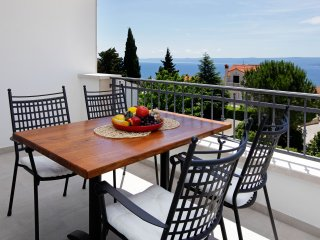 Lena 3 - amazing sea view, newly equipped, Bol