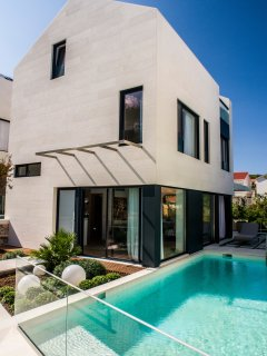 Ultra luxurious and modern villa with sauna and heated seawater pool I