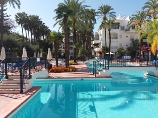 PUERTO BANUS apartment for rent from owner (available short holiday = 6-11 May!)