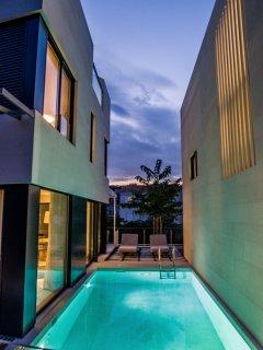 Ultra luxurious and modern villa with sauna and heated seawater pool II