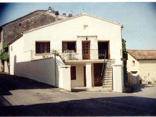 Maison de Village Renovée