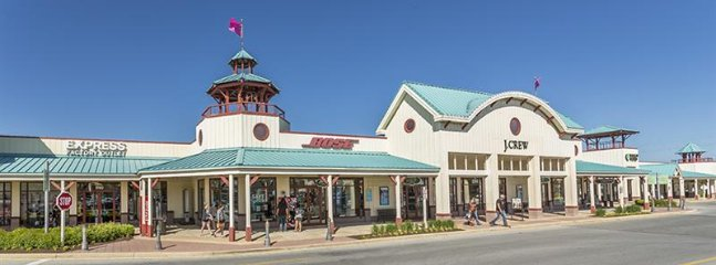 From Talbots, J Crew, and Guess, to Bose, Nike and Coach, your favorite brand outlets are within 2 miles of Spring Lake.