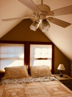 Sleeping loft w/fan and queen bed