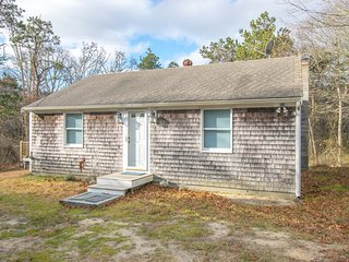 #426: Fully-renovated and just minutes from the Cape's best beaches and ponds!