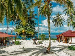 Puri Asu Resort (Wooden Sumatra house - Room 3)