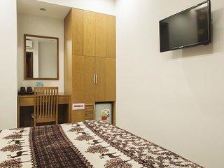 NEW PEARL HOTEL SAIGON (Superior Room-w/window 8)