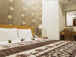 NEW PEARL HOTEL SAIGON (Superior Room-w/window 7)
