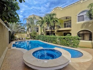 2 Bed 2.5 Bath Condo Only Steps To Langosta Beach