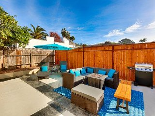 25% OFF MAR/APR - Walk to Windansea Beach & More! Large Yard, Firepit & BBQ!