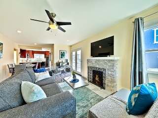 25% OFF OCT - Walk to Windansea Beach & More, Large Yard, Firepit & BBQ