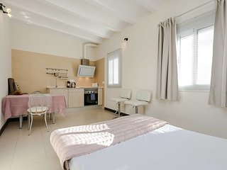 Cozy studio close to Park Guell