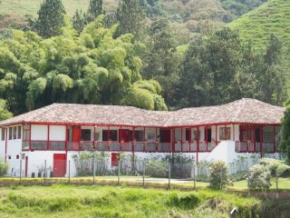 Finca Cuba, Exclusive Country House Within the City