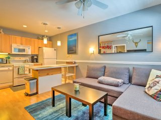 Cozy Breck Condo w/Mtn Views ~ 8 Mi to Ski Resort!