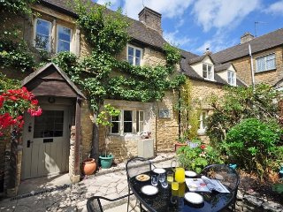 PTREE Cottage in Bourton-on-th