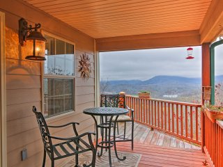NEW! 2BR Hayesville Cottage w/Lake & Mtn View
