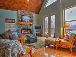 NEW! Hayesville Cottage w/Stunning Lake & Mtn View