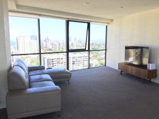 2 DOUBLE BED ROOM High-rise Apartment Waterscape Surfers Paradise Gold Coast