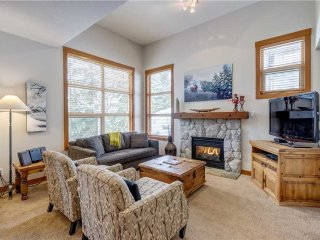 Highest Ski-In/Ski-Out Townhome on Blackcomb Mountain / 215035
