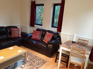 Cathedral Gate 2 Bedrooms, Glasgow centre , Free allocated Parking and wi fi.