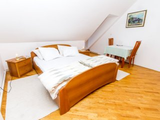 Guesthouse na Griču - Double room with Balcony