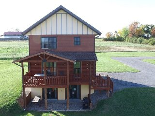 Canadice Deluxe Cabin by Seneca Lake at Cobtree