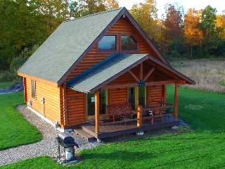 Hemlock Cabin by Seneca Lake at Cobtree