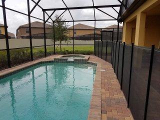 Stunning 9 Bedroom Pool Home WWS1