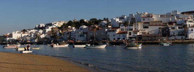 De haven en zijn dorp