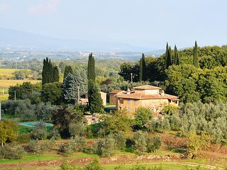 Bòggina, Petrolo winery.Exclusive farmstay with pool and garden.Walk to village.