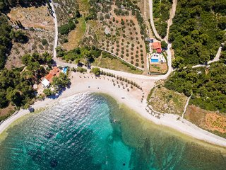 Villa Summer - Four-Bedroom Villa with Private Pool & Sea View