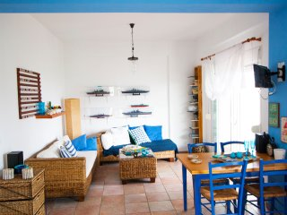 Monty BeachFront House, Mola Kaliva
