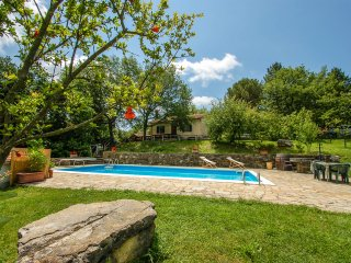 Detached house with private pool near Florence. Quiet area and panoramic views