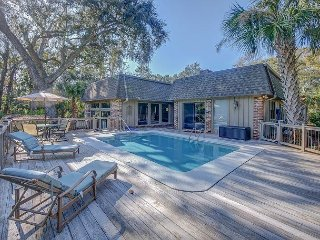 Stunning Sea Pines Home, Private Pool, Golf Views, Walk to Beach, Free Bikes