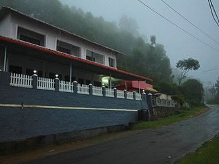 Kanthalloor Residency, homestay 3, holiday rental in Valparai