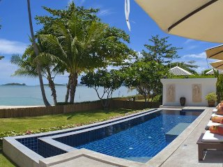 Villa 12 - 3 bedroom beachfront villa with maid service