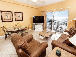 PI 602:TOP FLOOR 1BR/2BA OFFERS THE BEST VIEWS AROUND!VERY COMFY AND UPDATED
