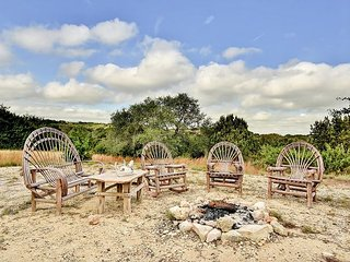 Peaceful 4BR Ranch w/ 5 Acres of Land in Dripping Springs