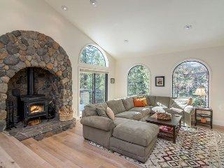 Expansive, Remodeled Home at Tahoe Donner - Swim, Ski & Ride
