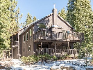 Expansive, Remodeled 5BR Home at Tahoe Donner – Swim, Ski & Ride