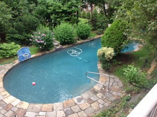 Gorgeous Setting in Prospect Park/Pool, Very quiet neighborhood