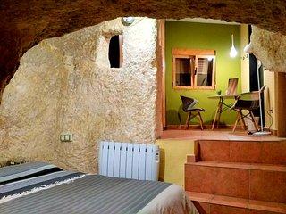 Casa rural con encanto en barrio medieval. ( centro pueblo) 2 habitaciones.