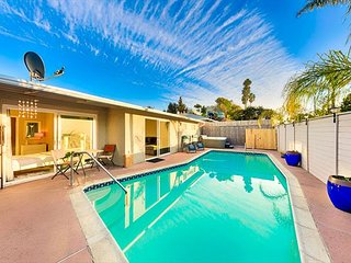 15% OFF OCT - Charming Home, Pool/Jacuzzi, Short Walk to Beach & More