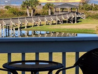 Luxury Living Savannah: Last Minute Deals on Beachfront 2 BR