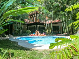 Costa Rica Surf House -1 Minute walk to beach. Great for families and groups!