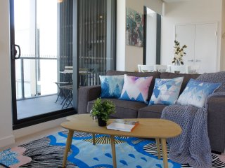 「DEAR HOME」STYLE ONE BED APT NEAR AIRPORT!!