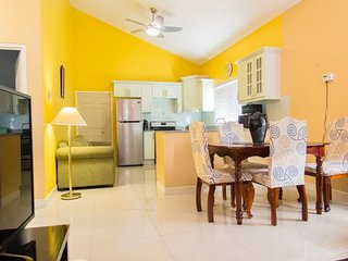 Jamaica Vacation Rentals - Randy`s Ridge * Caymanas Estate