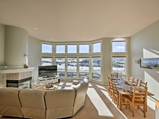 Gorgeous Townhome w/ Fraser Valley Mountain Views!